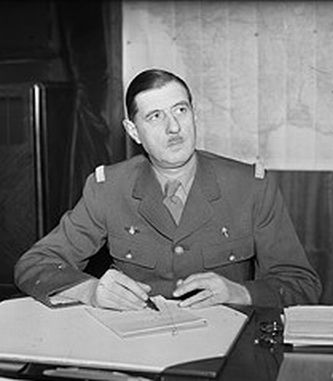 http://hiram7.files.wordpress.com/2008/03/de-gaulle-1941.jpg